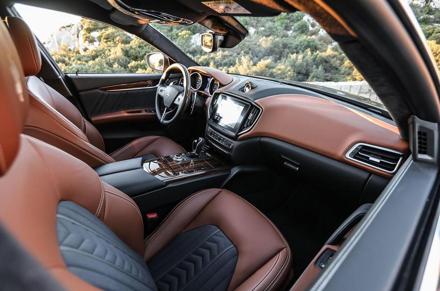 Maserati Ghibli S front seats