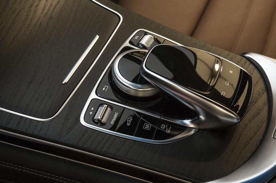 Mercedes-Benz GLC infotainment controller
