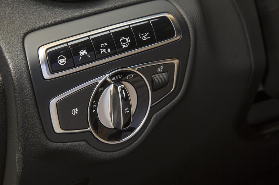 Mercedes-Benz GLC switchgear