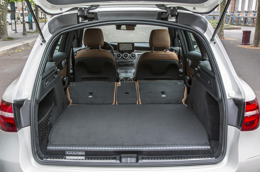 Mercedes-Benz GLC 350 e extended boot space