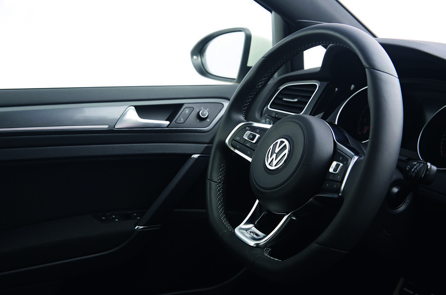 Volkswagen Golf R-Line steering wheel