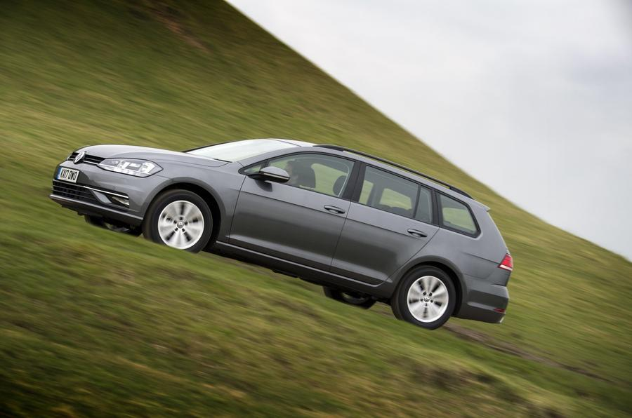 Volkswagen Golf Estate profile dynamic