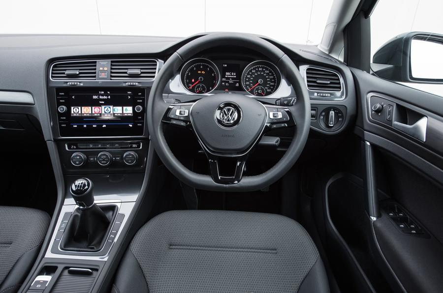 Volkswagen Golf Estate interior
