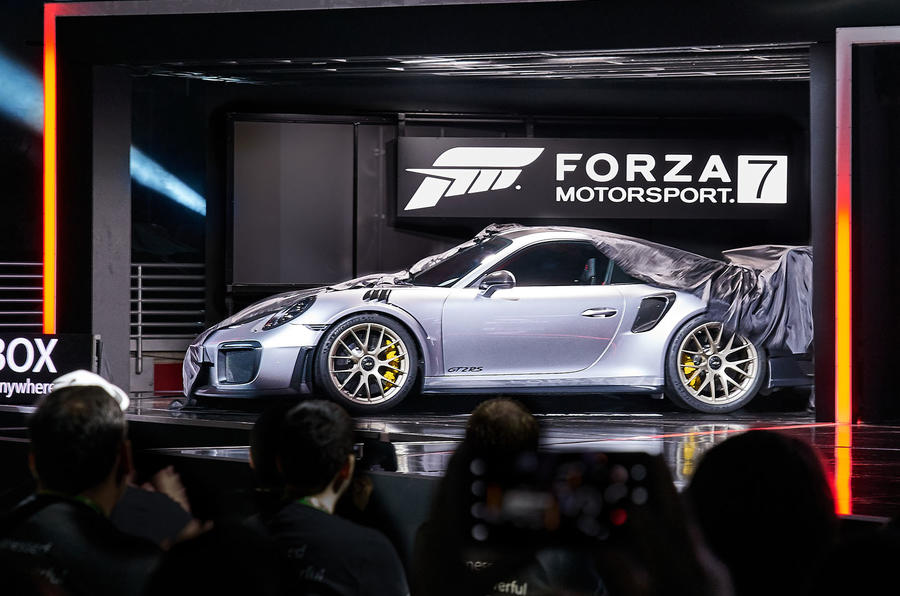 Porsche 911 GT2 RS Unveiled on Forza 7 Box Art