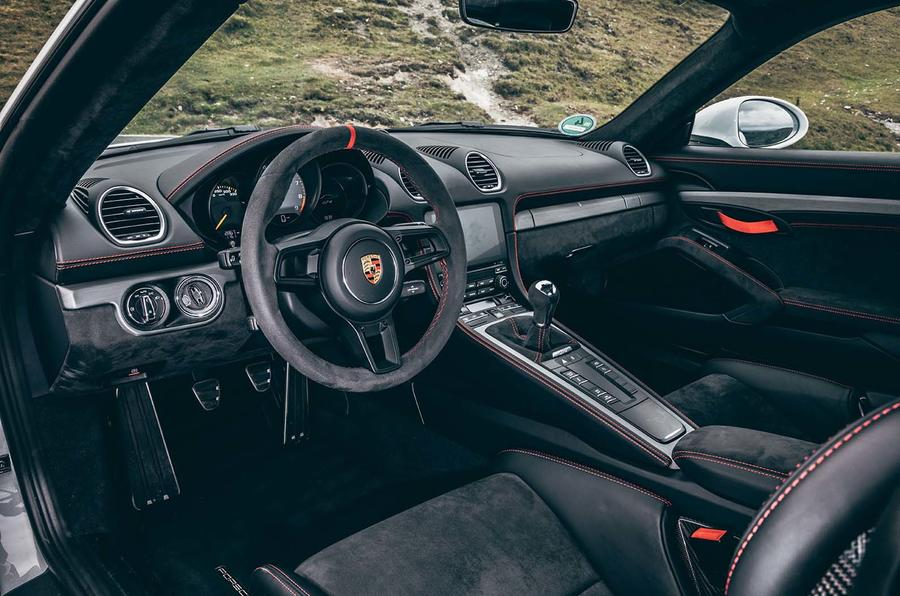 2019 Porsche 718 Cayman GT4 UK review - interior