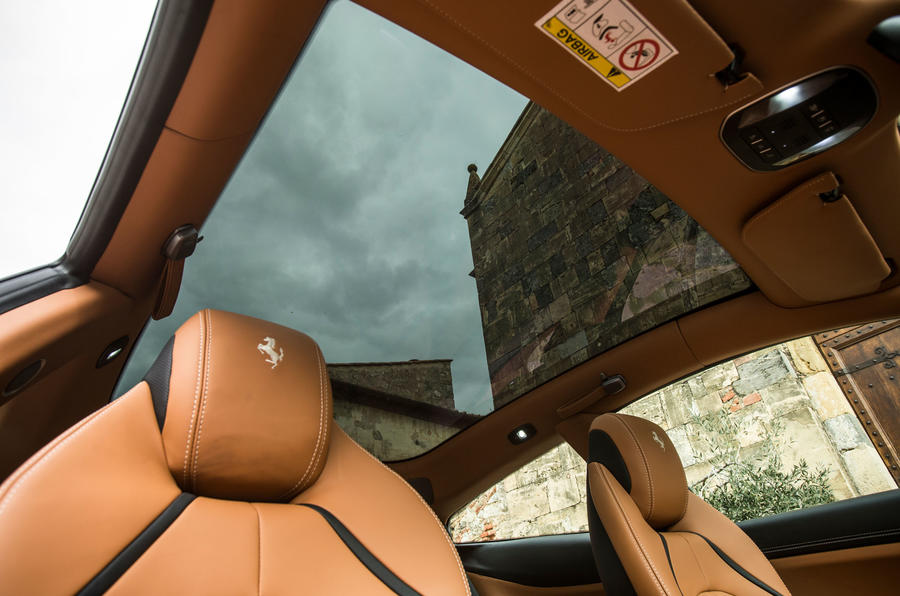Ferrari GTC4 Lusso panoramic sunroof
