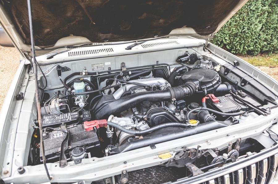 2000 Toyota Land Cruiser engine