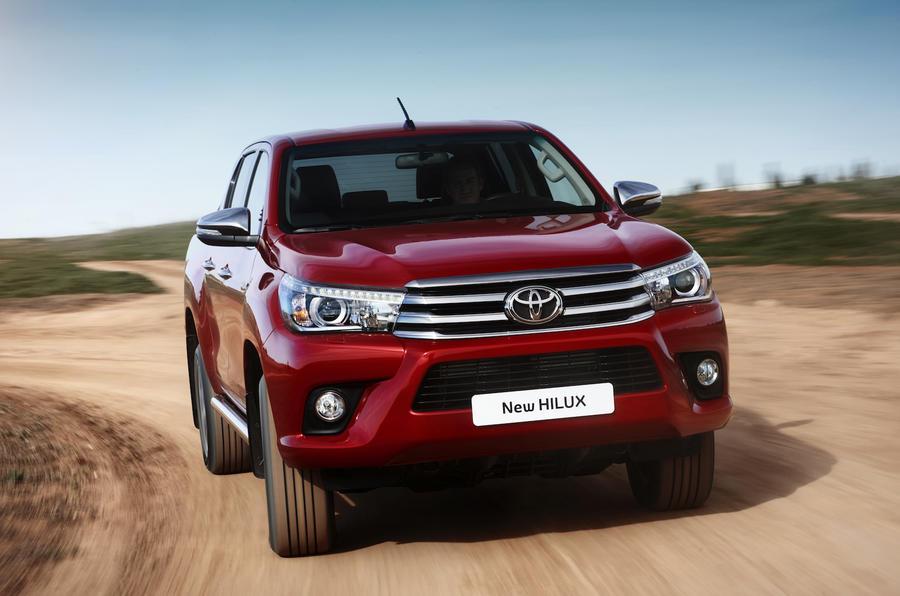Toyota Hilux Invincible cornering