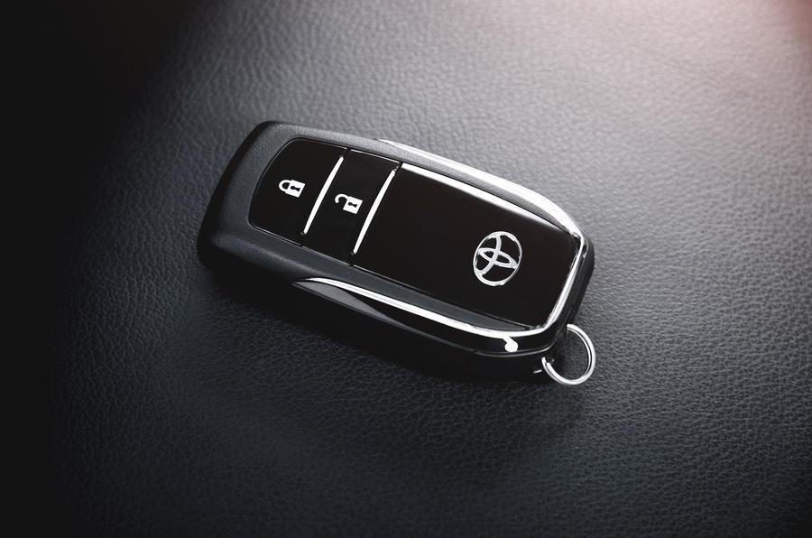 Toyota Hilux Invincible key