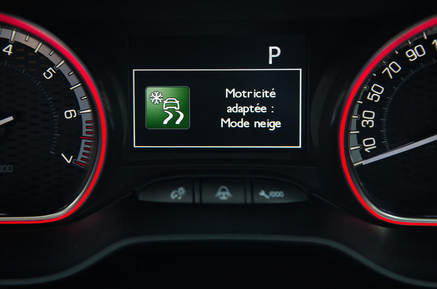 Peugeot 2008 snow-driving mode