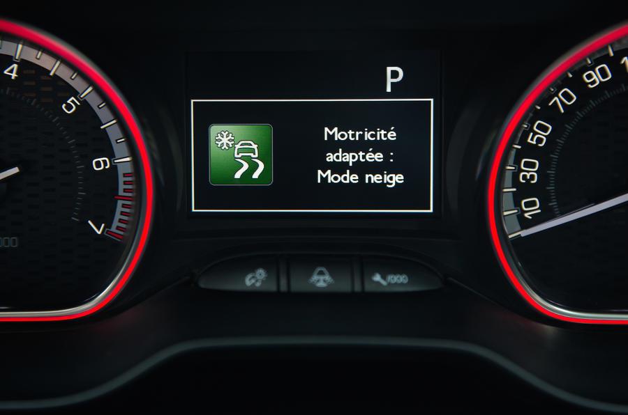 Peugeot 2008 snow-driving mode