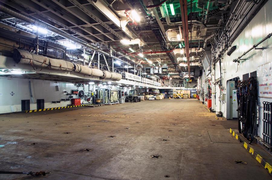 HMS Bulwark - Christmas road testHMS Bulwark - Christmas road test