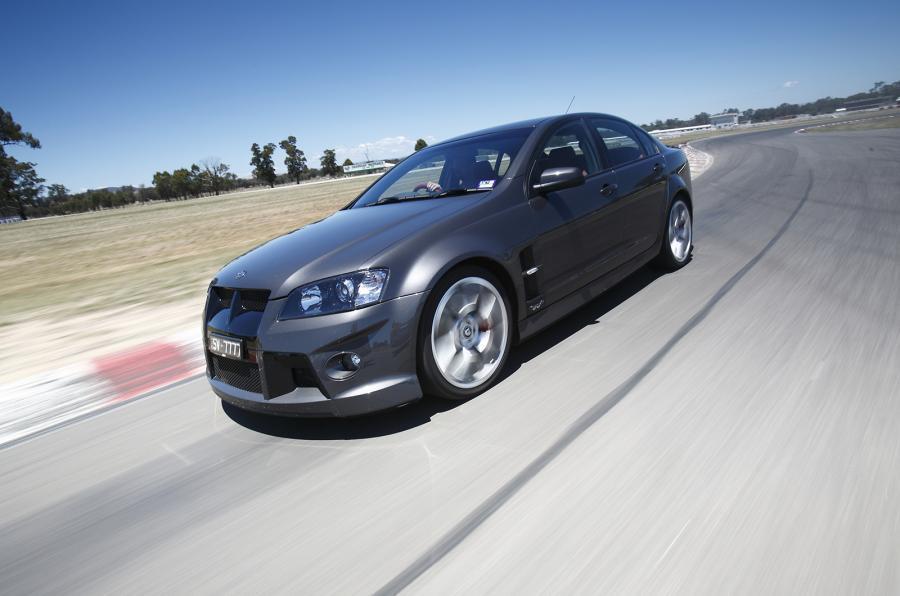 Holden HSV GTS - cornering front