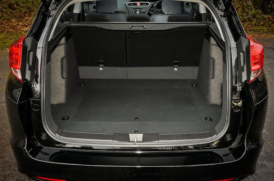 Honda Civic Tourer boot space