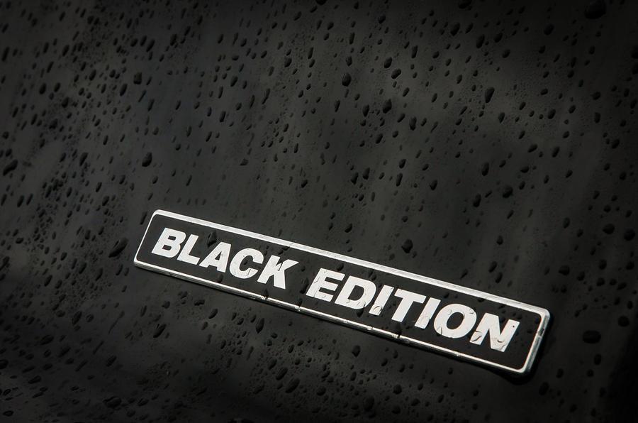 Honda Civic Black Edition badging