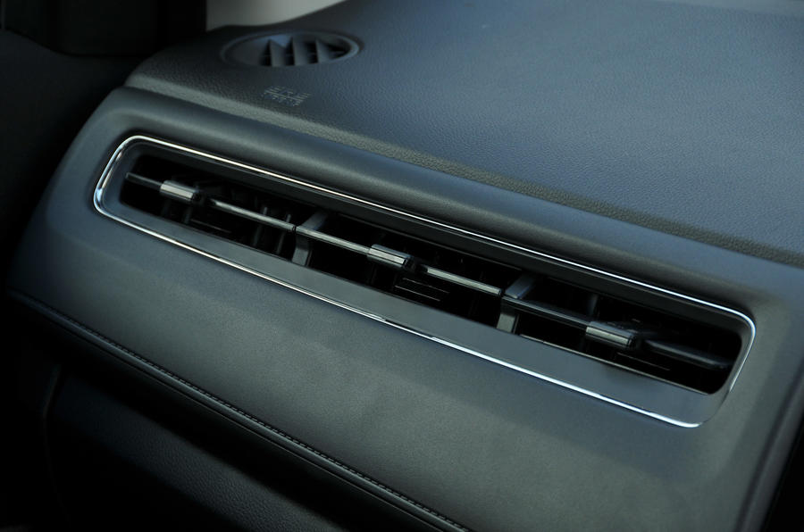Honda HR-V Black Edition air vents