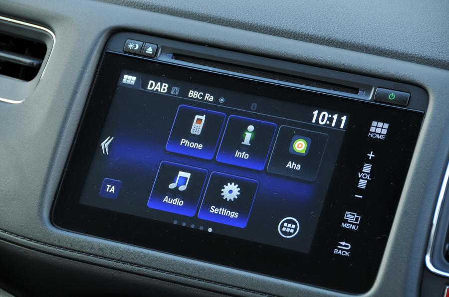 Honda HR-V Black Edition infotainment system
