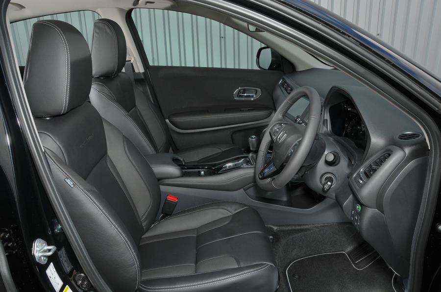 Honda HR-V Black Edition interior