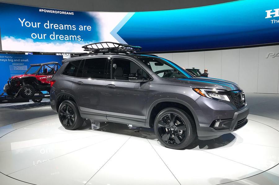 Honda Passport 2018 official reveal - LA stand front