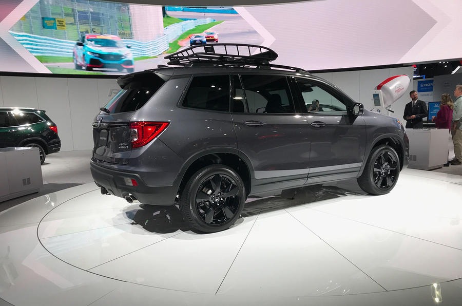 Honda Passport 2018 official reveal - LA stand rear