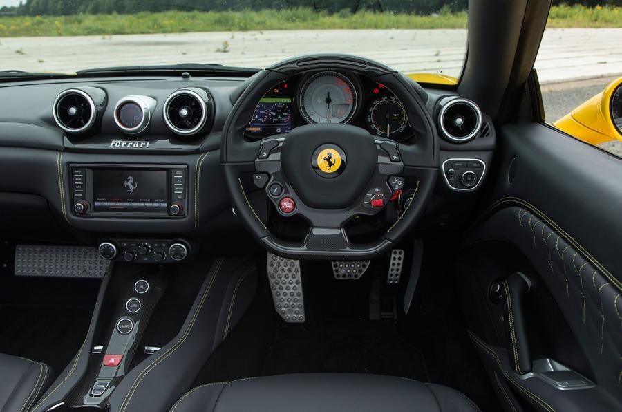 Ferrari California T Handling Speciale dashboard