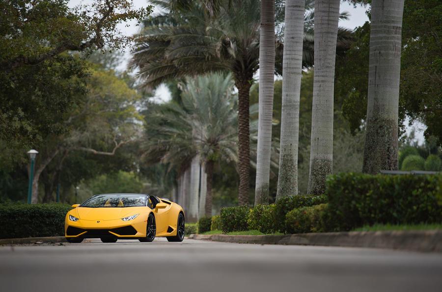 4 star Lamborghini Huracan Spyder