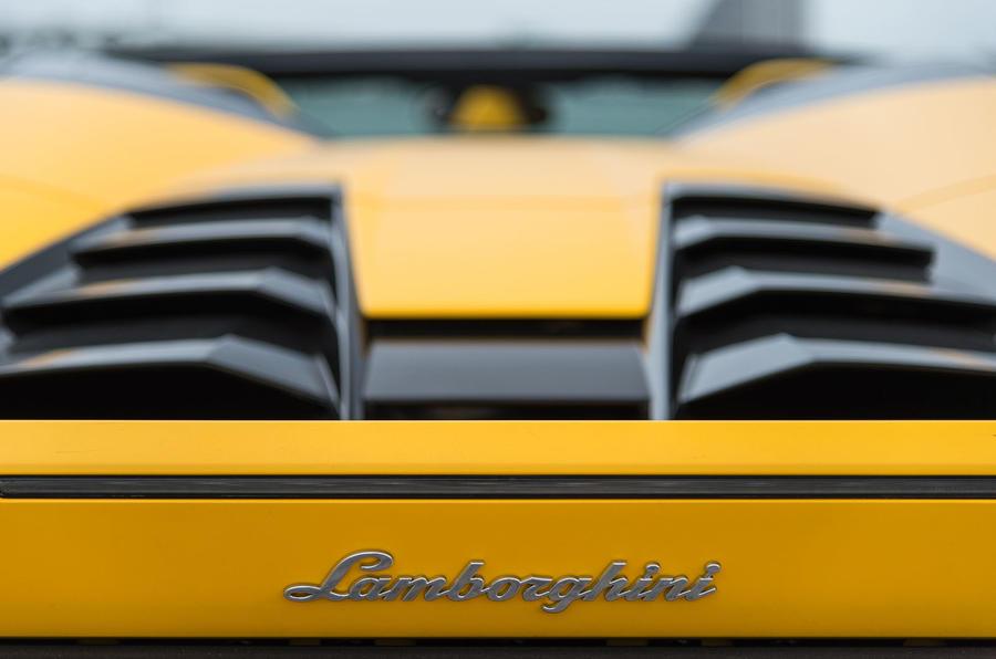 Lamborghini Huracan engine vents