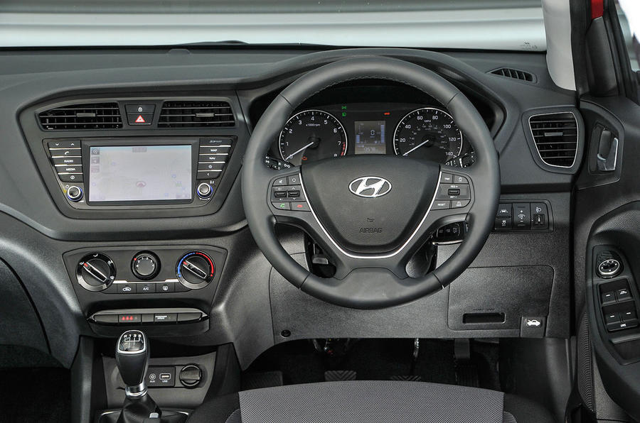 Hyundai i20 dashboard