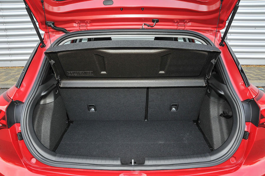 Hyundai i20 boot space