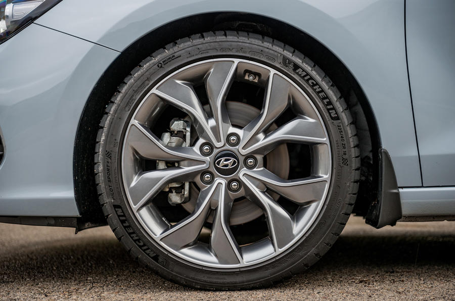 Hyundai i30 Fastback alloy wheels