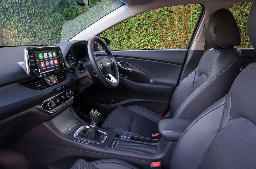 2017 Hyundai i30 1.0 T-GDi 120 SE Nav front seats