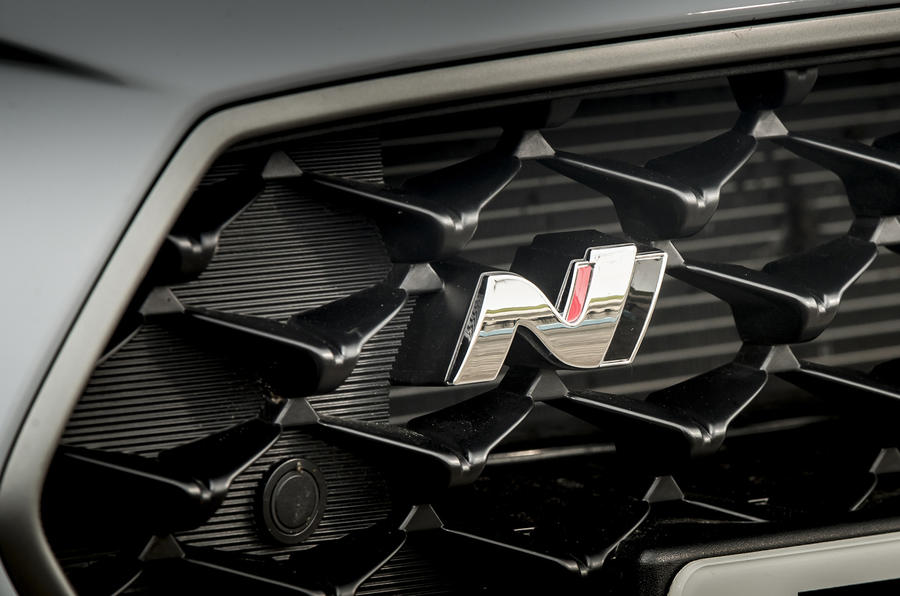 Hyundai i30 N 2018 UK review bonnet badge