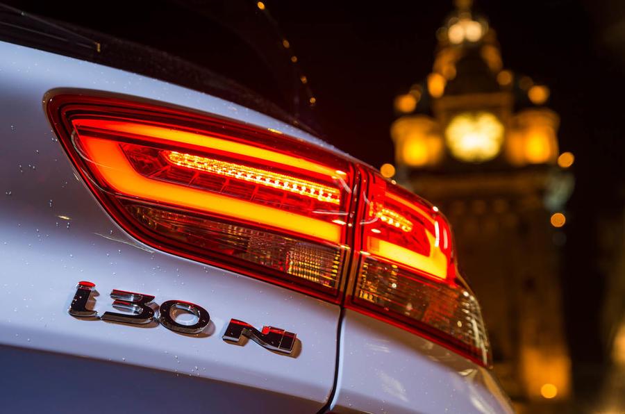 Volkswagen Golf GTI vs Hyundai i30n hyundai lights