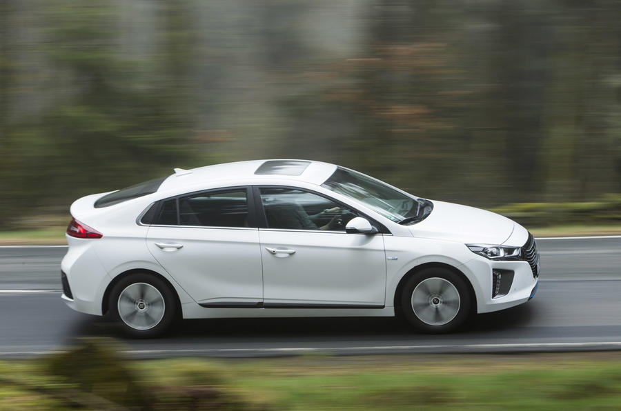 Hyundai Ioniq Plug-in side profile