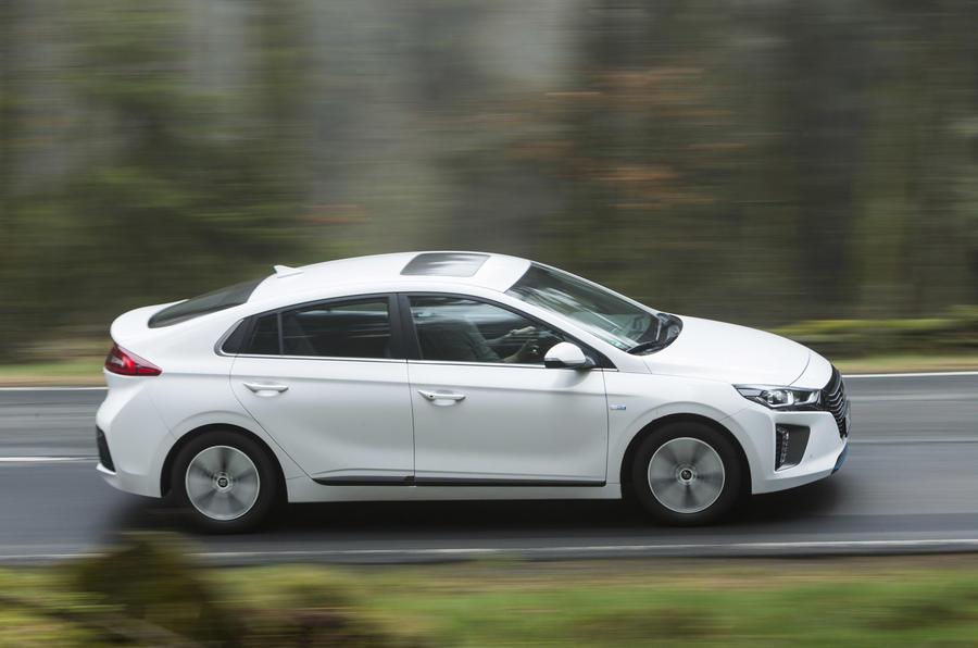 Hyundai Ioniq Plug-in side profile