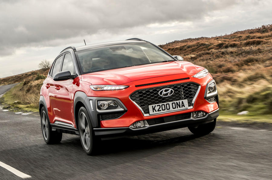 Hyundai Kona 1.0 T-GDi SE on the road