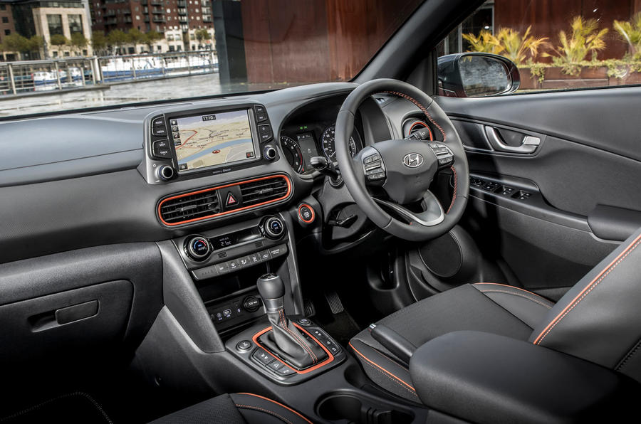 hyundai kona 1 6 crdi premium se 2018 review autocar. Black Bedroom Furniture Sets. Home Design Ideas