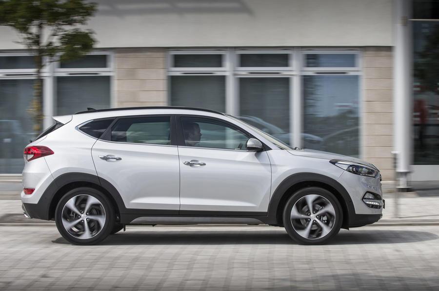 Hyundai tucson 2009 price uk for Smart motors tucson reviews