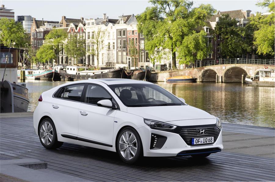 2016 Hyundai Ioniq HEV Premium SE review review | Autocar