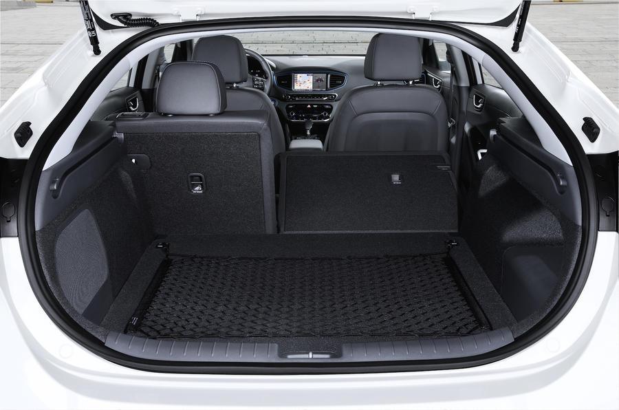 Hyundai Ioniq HEV seating flexibility