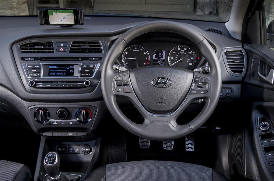 Hyundai i20 Active dashboard