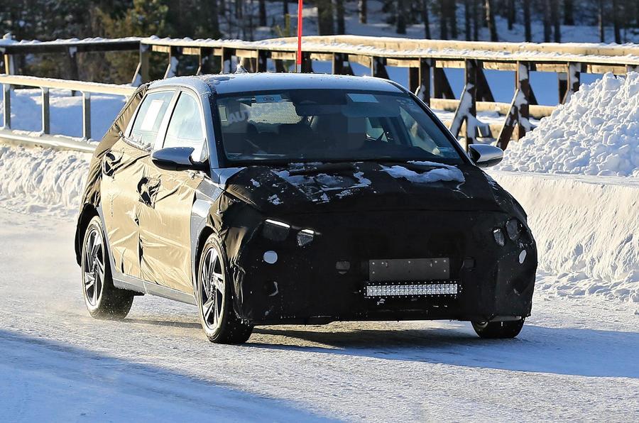 Hyundai i20 spies front