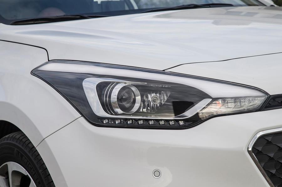 Hyundai i20 xenon headlights