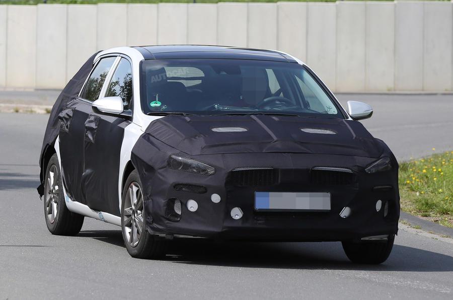 Hyundai i30 spy shots