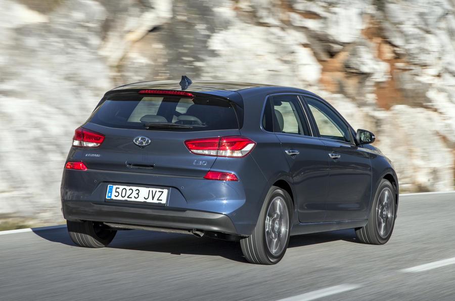 2017 Hyundai i30 1 4 T-GDi Premium review | Autocar