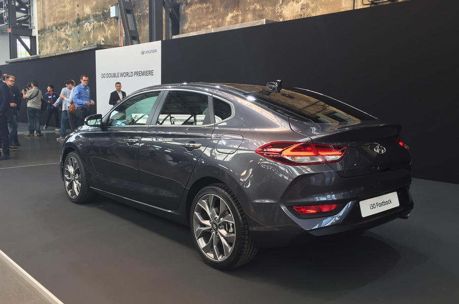 hyundai i30 fastback unveiled ahead of 2018 launch autocar. Black Bedroom Furniture Sets. Home Design Ideas