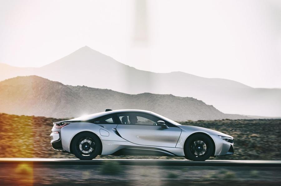 BMW plots supercar to take on McLaren