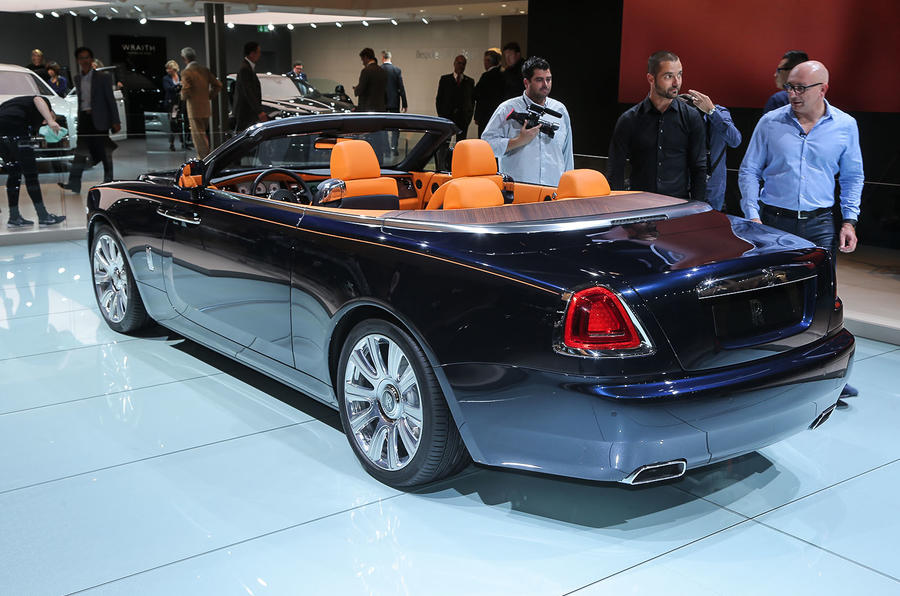 2016 Rolls-Royce Dawn revealed
