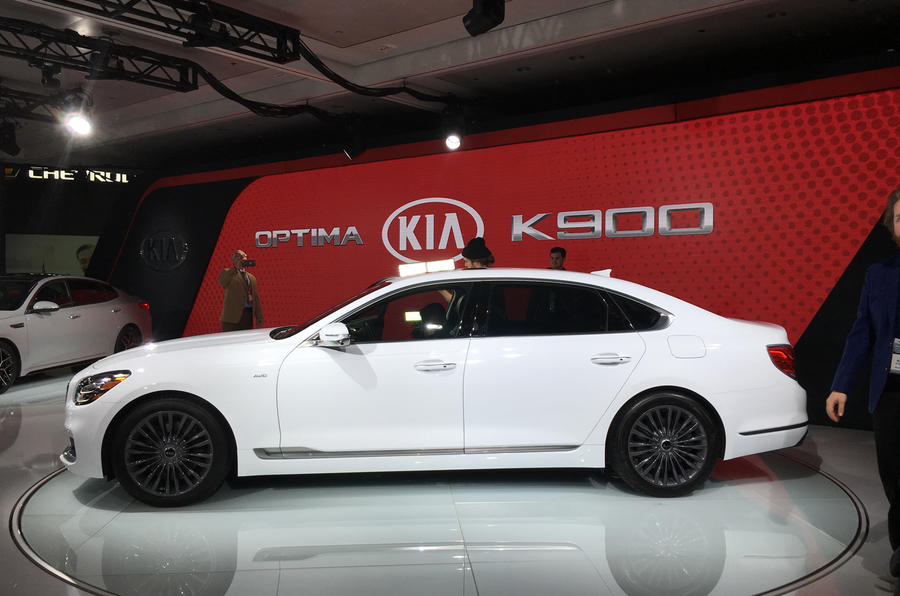 New Kia K900 US flagship demonstrates upcoming tech