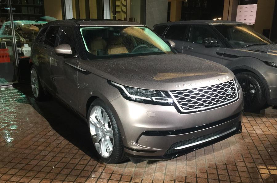 range rover velar to join uk s best selling luxury model line up autocar. Black Bedroom Furniture Sets. Home Design Ideas